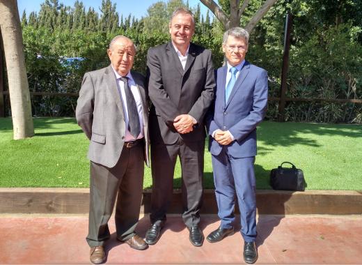 Diego Lorenzo, patró de la Fundació Espriu y vicepresident de Asisa; Ariel Gurarco, president de la ACI, y Jose Pérez, subdirector de la Fundació Espriu.